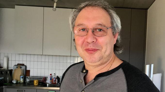 «Es Ist Mein Lebenstraum» – Bei Izzo Gaetano Wird Billiard Gespielt